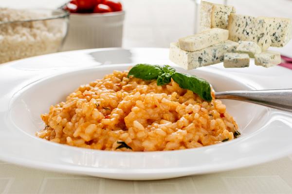 Krémové italské risotto somáčkou zčervených paprik asýrem gorgonzola